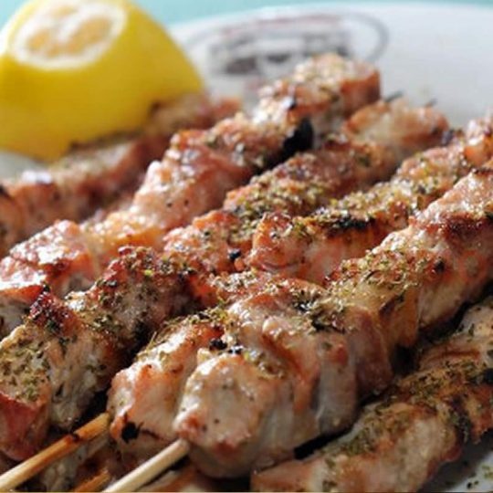 https://blueros.com/wp-content/uploads/2016/09/syros-gastronomy5-540x540.jpg