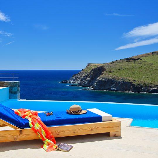 https://blueros.com/wp-content/uploads/2017/05/Relax-Syros-BluErosLuxuryVilla2-540x540.jpg
